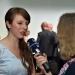 Preisträgin Carolin Schramm (1. Preis, l.) im Interview mit Sissi Pitzer (B5 Medienmagazin, r.) nach der Preisverleihung